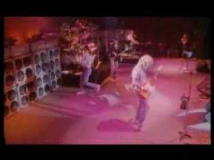 Status Quo – Hold You Back